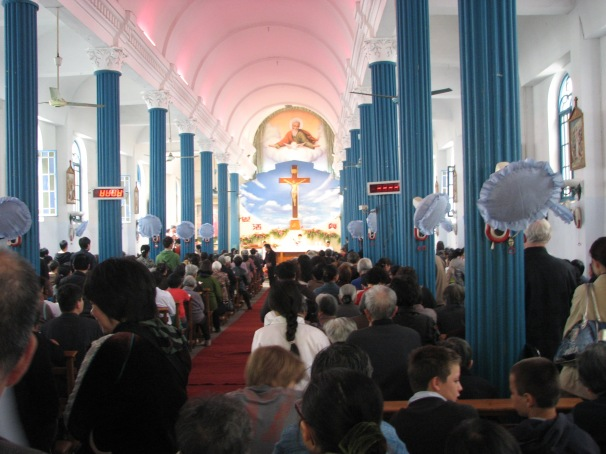 2009 - Faithful gathered to celebrate Easter Hangzhou Catholic Church of Our Lady Of The Immaculate Conception