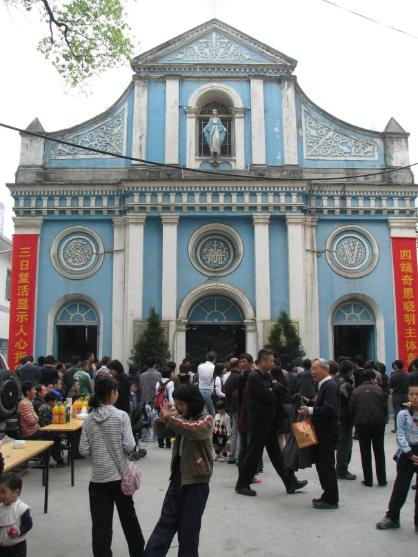 2009 - Easter outside Hangzhou's Cathedral of Santa Maria Immaculate /  Catholic Church of Our Lady Of The Immaculate Conception